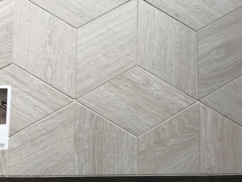 ibs展作为美国建材市场交易平台,大部分参展的产品都是木地板,复合地